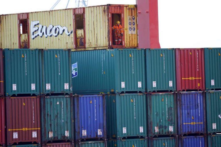 Un porte container perd près de 300 containers en mer